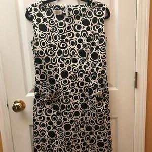 Sleeveless Talbots's black & white dress. Size 8.